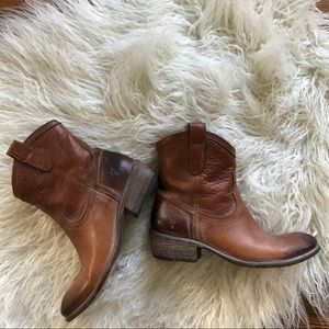 Frye Brown Leather Ankle Boots Size 7